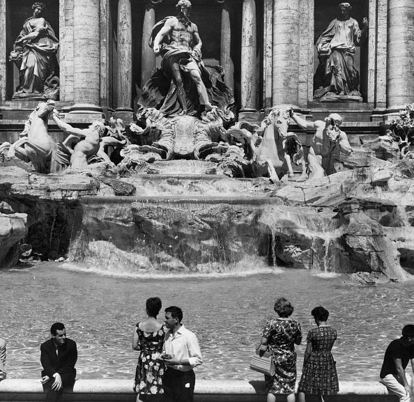 Monochrome「Trevi Fountain」:写真・画像(6)[壁紙.com]