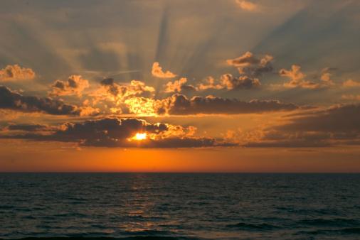 Waving「Sunset with Rays of Light」:スマホ壁紙(17)