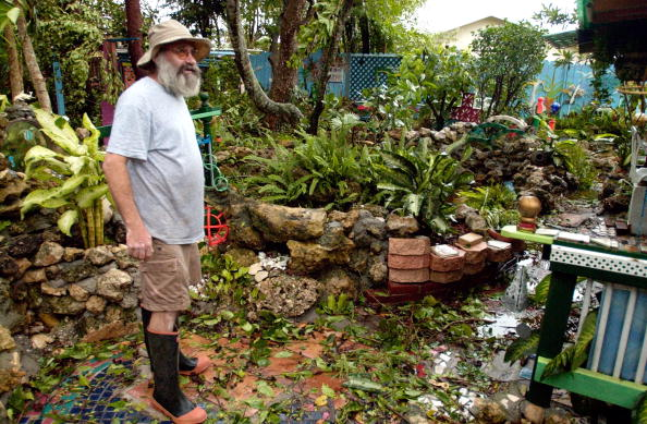 Naples - Florida「Hurricane Charley Makes Landfall In Central Florida」:写真・画像(13)[壁紙.com]