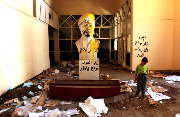 Baghdad「Baghdad Cleans Up After The Looting」:写真・画像(19)[壁紙.com]