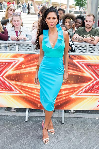 カメラ目線「X Factor Bootcamp Arrivals, London」:写真・画像(16)[壁紙.com]