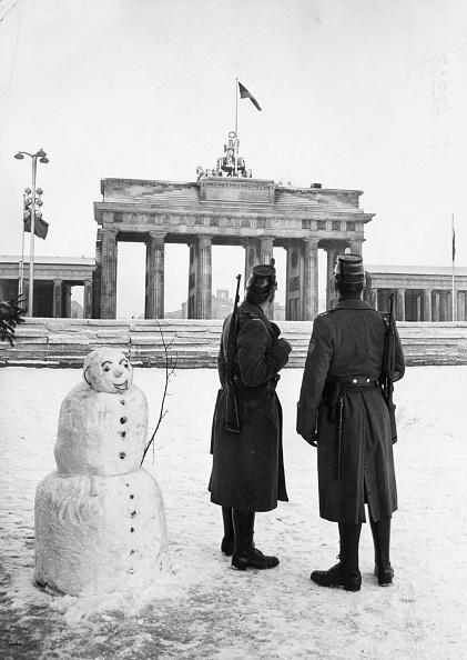 雪だるま「Brandenburg Snowman」:写真・画像(2)[壁紙.com]