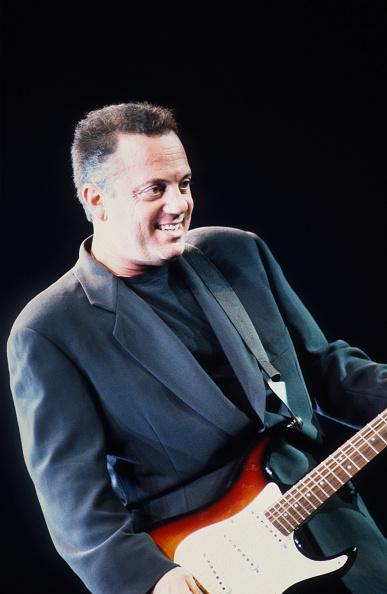 爪弾く「Billy Joel」:写真・画像(19)[壁紙.com]