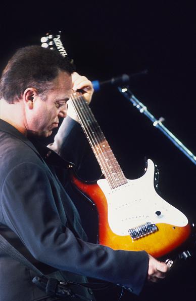 爪弾く「Billy Joel」:写真・画像(8)[壁紙.com]