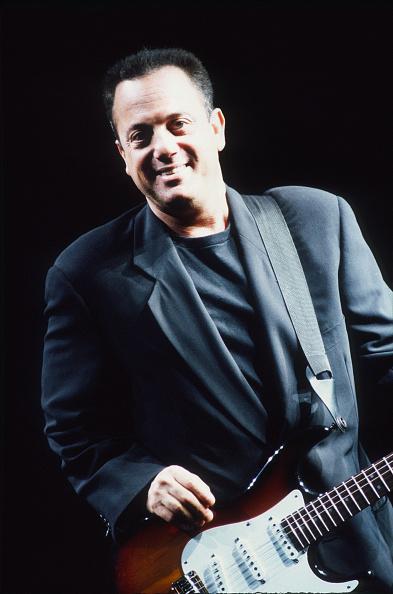 爪弾く「Billy Joel」:写真・画像(12)[壁紙.com]
