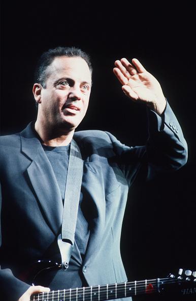 爪弾く「Billy Joel」:写真・画像(7)[壁紙.com]