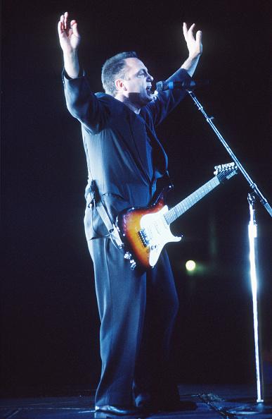 爪弾く「Billy Joel」:写真・画像(10)[壁紙.com]
