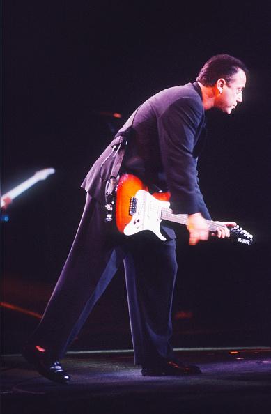 爪弾く「Billy Joel」:写真・画像(5)[壁紙.com]