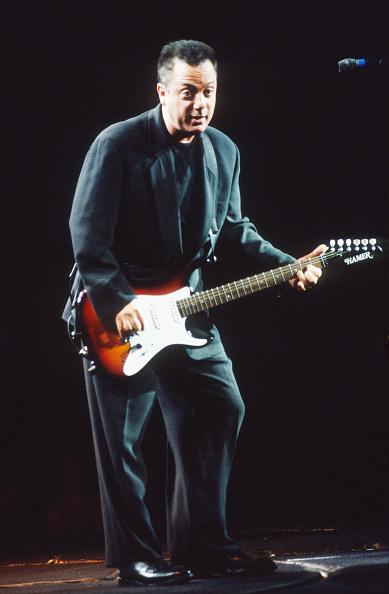 爪弾く「Billy Joel」:写真・画像(11)[壁紙.com]