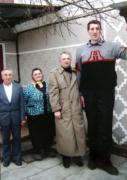 Human Relationship「The Ukrainian tallest man in the world」:写真・画像(16)[壁紙.com]