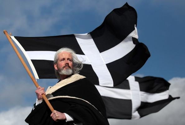 イングランド コーンウォール「Locals Celebrate St Piran's Day In Perranporth」:写真・画像(1)[壁紙.com]