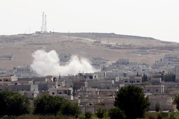 Stringer「Refugees Flee Kobane As IS Forces Battle Kurdish Resistance」:写真・画像(6)[壁紙.com]