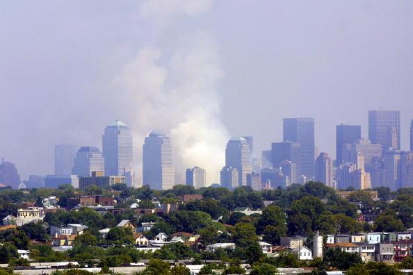Urban Skyline「World Trade Centers Hit by Terrorists」:写真・画像(17)[壁紙.com]