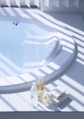 蒸気「Bathtub and toiletries」:スマホ壁紙(16)