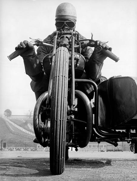 オートバイ競技「Mean Machine」:写真・画像(2)[壁紙.com]