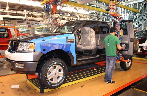 Vehicle Door「Lincoln Begins Manufacturing Luxury Pickup Truck」:写真・画像(9)[壁紙.com]