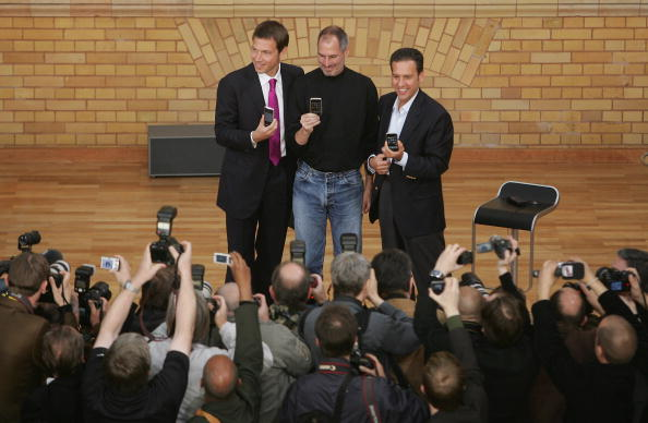 Conference Phone「T-Mobile Gets iPhone Germany Contract」:写真・画像(1)[壁紙.com]