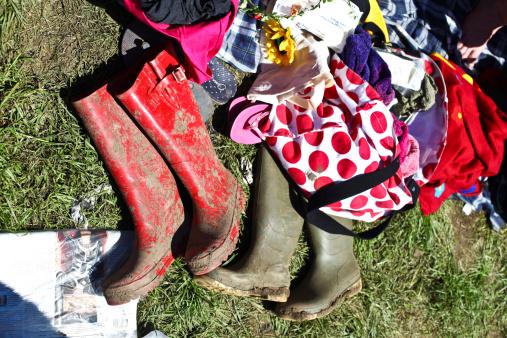Music Festival「Muddy wellies at Glastonbury Festival 2011」:スマホ壁紙(15)