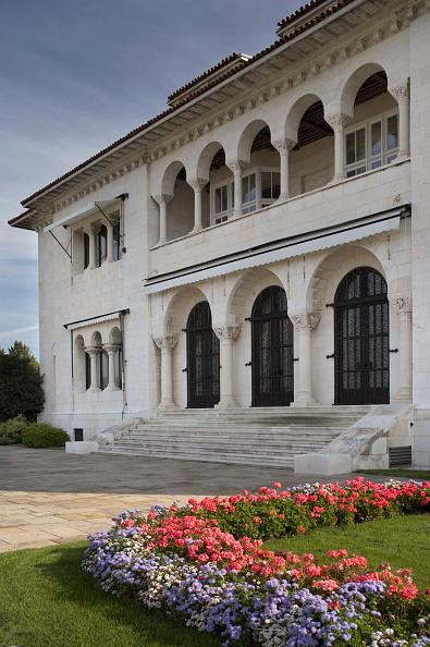 Flowerbed「Royal White Palace, Belgrade, Serbia」:写真・画像(13)[壁紙.com]