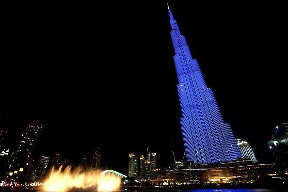 World Autism Awareness Day「World Landmarks Light It Up Blue for World Autism Awareness Day 2016」:写真・画像(17)[壁紙.com]