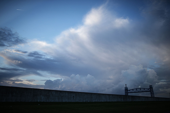 雲「Louisiana 10 Years After Hurricane Katrina」:写真・画像(2)[壁紙.com]