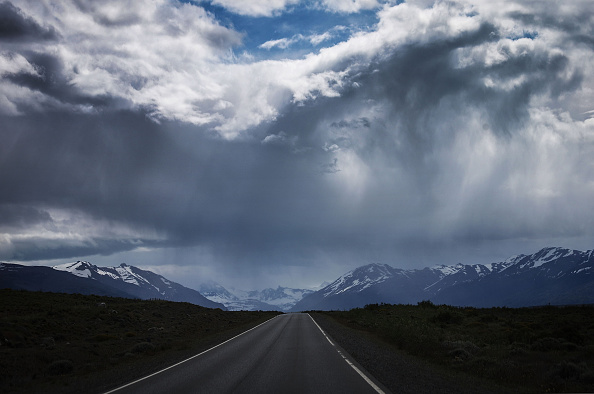雲「Global Warming Impacts Patagonia's Massive Glaciers」:写真・画像(8)[壁紙.com]