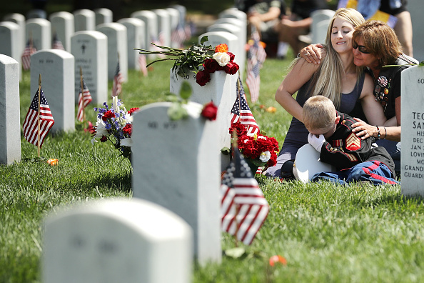 US Memorial Day「Memorial Day Is Commemorated At Arlington National Cemetery」:写真・画像(15)[壁紙.com]
