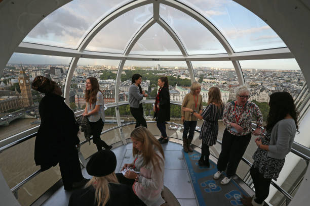 London Eye Turned Into Classrooms For International Day Of The Girl:ニュース(壁紙.com)