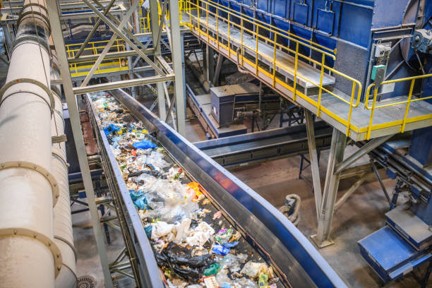 Conveyor Belt for Recyclables in Waste Processing Facility:スマホ壁紙(壁紙.com)