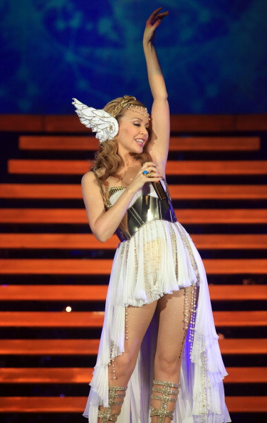 Classical Style「Kylie Minogue Performs In Cardiff」:写真・画像(14)[壁紙.com]
