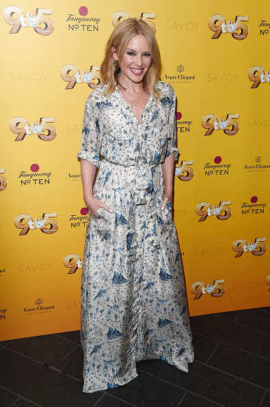 Kylie Minogue「Dolly Parton's '9 TO 5' The Musical Gala Evening - Arrivals」:写真・画像(12)[壁紙.com]