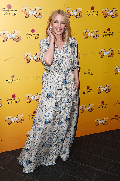 Kylie Minogue「Dolly Parton's '9 TO 5' The Musical Gala Evening - Arrivals」:写真・画像(17)[壁紙.com]