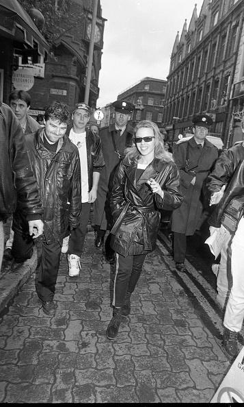 到着「Kylie Minogue in Dublin 1990」:写真・画像(12)[壁紙.com]