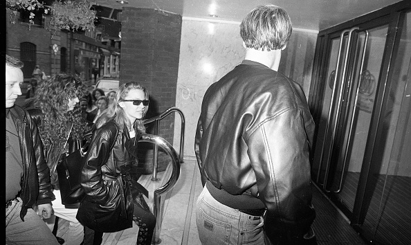 到着「Kylie Minogue in Dublin 1990」:写真・画像(15)[壁紙.com]