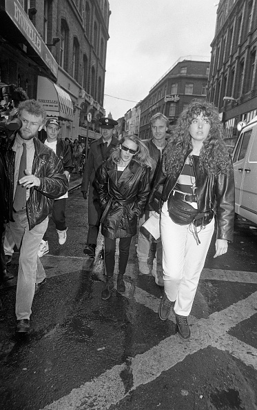 到着「Kylie Minogue in Dublin 1990」:写真・画像(17)[壁紙.com]