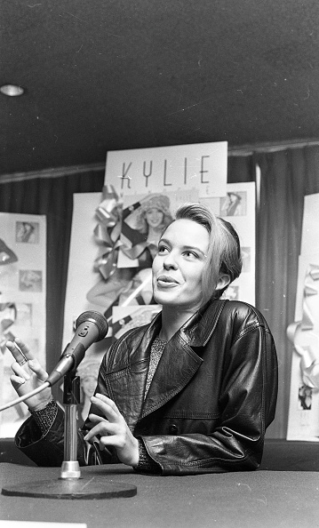 1990-1999「Kylie Minogue in the Westbury Hotel 1990」:写真・画像(9)[壁紙.com]