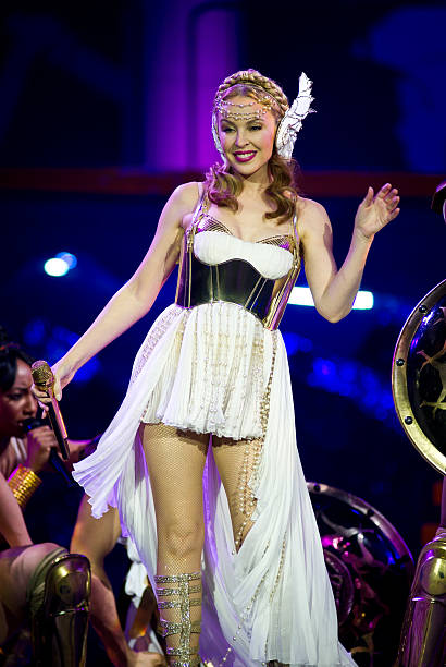 Kylie Minogue Performs Live At The O2 Arena:ニュース(壁紙.com)