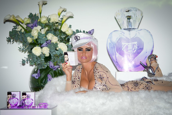 Fragrance Launch「Katie Price 'Precious Love' Perfume Launch」:写真・画像(1)[壁紙.com]