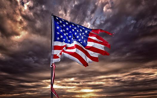 Cumulus Cloud「Tattered American flag flapping in ominous sky」:スマホ壁紙(16)