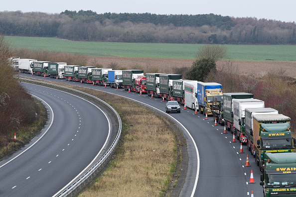 Waiting In Line「Government Tests Plans To Ease Dover Traffic Chaos After Brexit」:写真・画像(14)[壁紙.com]