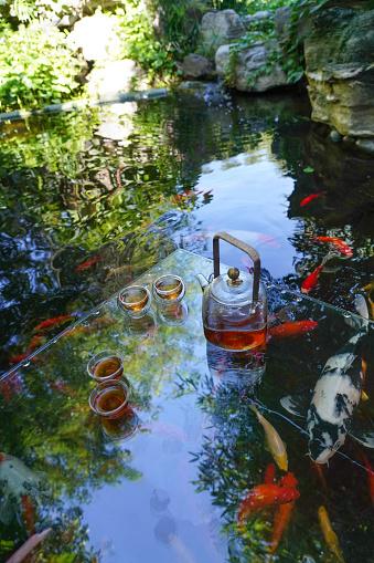 Carp「The pond tea set」:スマホ壁紙(15)