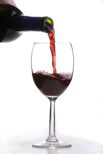 Wine Bottle「Pouring Red Wine」:スマホ壁紙(10)