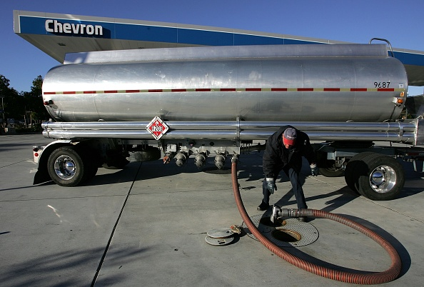 Justin Sullivan「Even As Oil Prices Slide, Gas Prices Rise In The Bay Area」:写真・画像(18)[壁紙.com]