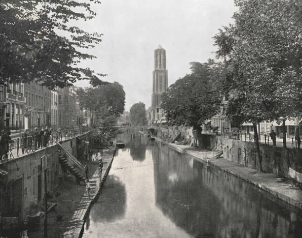 Old Canal And Dom Tower:ニュース(壁紙.com)