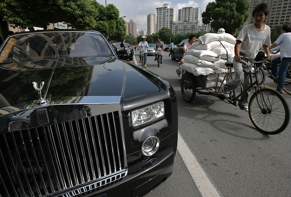Moving Past「New Rolls-Royce Showroom Opens In Shanghai」:写真・画像(8)[壁紙.com]