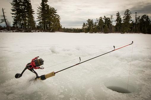 Pole「Wilderness Ice Fishing, Ely, Minnesota, USA」:スマホ壁紙(13)