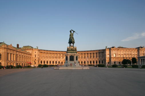 Town Square「The Hofburg with equestrian statue in Vienna」:スマホ壁紙(13)