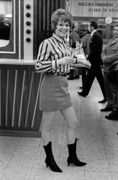 Skirt「Brigitt Petry」:写真・画像(0)[壁紙.com]