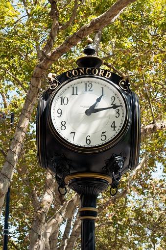 時計「Concord, California」:スマホ壁紙(8)