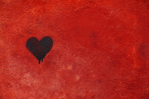 Spray Paint「Graffiti heart spraypainted on red wall - Love Concept」:スマホ壁紙(15)
